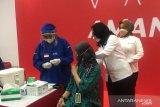 Sebanyak 15.330.306 penduduk Indonesia telah mendapatkan vaksinasi COVID-19