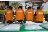 Penyelundup setengah kilogram sabu dari Batam dibekuk, pelaku warga Aikmal Lotim