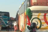 Penumpang bus di Kalideres Jakarta Barat wajib tunjukkan surat vaksin