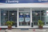 Pemberlakuan tarif penarikan tunai ATM Link Himbara dinilai membebani nasabah