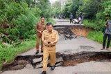 Jalan penghubung Baturaja-OKU Selatan  putus total