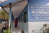 SD Tumpangkrasak Kudus disemprot disinfektan setelah empat guru terpapar COVID-19