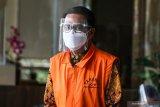 Istri Nurdin Abdullah menolak diperiksa sebagai saksi untuk suaminya