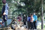 Wali Kota Mataram memantau dampak banjir rob di Pantai Loang Baloq