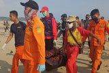 Basarnas Banten temukan pelajar  terseret ombak