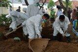 Kudus pastikan personel pemakaman pasien COVID-19 cukup