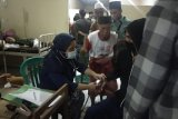 Video ratusan warga di Janapria Loteng diduga keracunan setelah makan nasi bungkus dzikiran