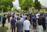 Jenazah Rektor Unimma dimakamkan secara prokes karena COVID-19
