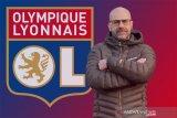 Peter Bosz melatih Lyon