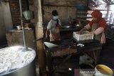 Perajin tahu Gunung Kidul perkecil ukuran siasati tingginya harga kedelai