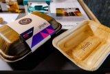 Kemasan makanan inovatif berbahan dasar pelepah pinang