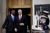 Menhan Israel  mengaku telah bicara dengan Presiden Palestina soal bangun kepercayaan