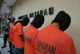 Jadi pengedar sabu, Ibu dan anak di Mataram dibui