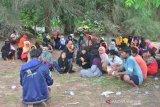 Puluhan imigran etnis Rohingnya terdampar di sebuah pulau kecil di Aceh Timur