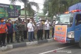 Bupati Kapuas lepas 20 truk penyaluran bahan pokok ke korban banjir
