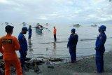 Tim SAR evakuasi nelayan yang alami kecelakaan di Teluk Tomini