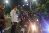 Pemkot Surabaya rapid test sebanyak 2.600 pengendara motor di Jembatan Suramadu