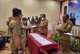 Pemprov Papua serahkan dana hibah dukungan penyelenggaraan Peparnas XVI