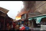 Ratusan rumah warga Mendahara Tengah Tajabtim Jambi hangus terbakar