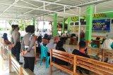 Polres Majene sosialisasikan vaksinasi COVID-19 aman kepada kelompok lansia