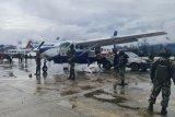 Personel TNI/Polri disiagakan amankan Bandara Aminggaru Ilaga