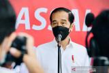 Jokowi tinjau pelaksanaan vaksinasi massal untuk pelajar di Banten
