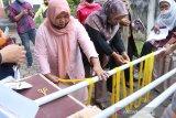 BI hadirkan Wignyo Rahadi latih kompetensi perajin tenun Minang