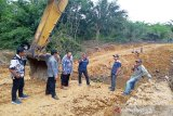 Dinas PUPR bantu Pemdes Pandran Raya perbaiki jembatan