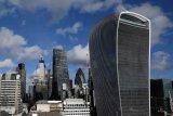 AS tetap jauh di depan sebagai pusat keuangan dunia