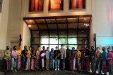 Kebaya Encim karya Megi Efriater putra Luak Limopuluah ikut ambil bagian di HUT DKI Jakarta