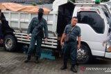 KLHK amankan truk bermuatan material tambang dari TNLL
