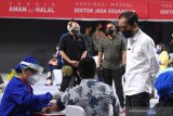 Presiden Jokowi tinjau vaksin COVID-19 UMKM di Kendari