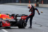 Pirelli: insiden pecah ban di Baku bukan cacat produksi