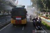 Cegah penyebaran COVID-19,  Tim gabungan Kota Surakarta gencar penyemprotan disinfektan