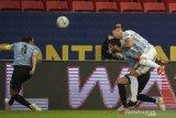 Argentina puncaki Grup A usai taklukkan Uruguay