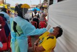 Petugas tes usap 162 orang pelanggar prokes terjaring Operasi Yustisi di Bukittinggi