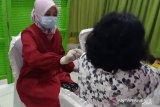 Polres Agam fasilitasi vaksinasi ratusan keluarga besar polisi