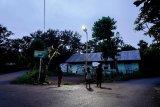 Desa terpencil NTT dapat bantuan cahaya listrik bertenaga surya