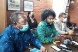 Ketua DPRD ini bantah kenal penjual senjata KKB