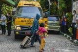JUMLAH KASUS POSITIF COVID-19 DI INDONESIA
