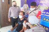 Pemohon SIM di Kapuas antusias ikuti vaksinasi COVID-19