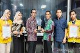 Yayasan Haji Maming Enam Sembilan jamin biaya kuliah 100 mahasiswa ULM