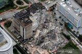 Tim kesulitan cari penyintas dari reruntuhan kondominium di Florida