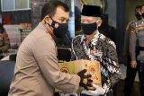 Polda Jateng bagikan 35.000 sembako untuk warga terdampak pandemi