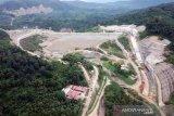 Kementerian PUPR mengisi air Bendungan Ladongi Sultra pada Juli 2021
