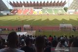 Penonton membludak, laga Persiraja lawan PSMS Medan dihentikan