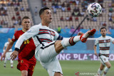 Cristiano Ronaldo raih sepatu mas Euro 2020