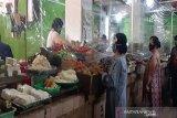 Di Baubau, toko dan pasar tradisional diimbau pasang tirai plastik