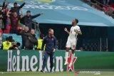 Euro 2020 - Alan Shearer puji keberanian Southgate berjudi terus pasang Sterling