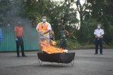 Pengelola Bandara Radin Inten II musnahkan barang sitaan